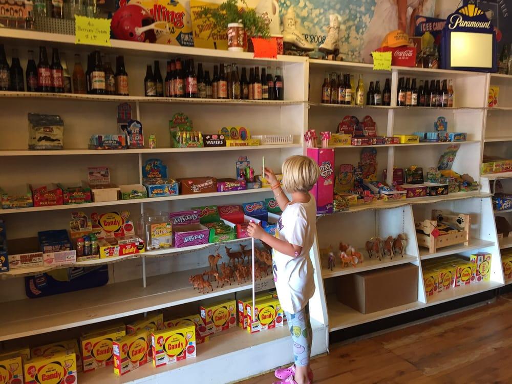 Sun & Fun Shop: 132 1st St S, Hackensack, MN