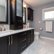 Red House Remodeling Get Quote Photos Contractors - Bathroom remodeling des moines ia