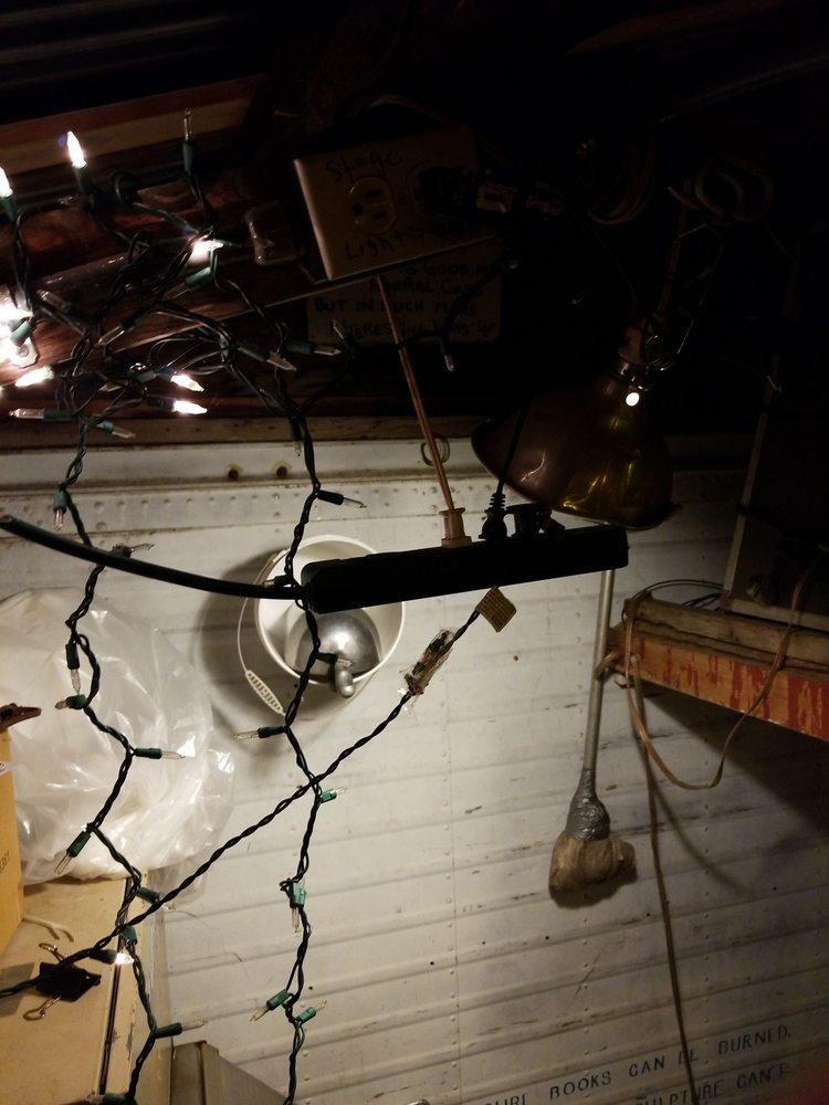 Tom's Burned Down Cafe: 234 Middle Rd, La Pointe, WI