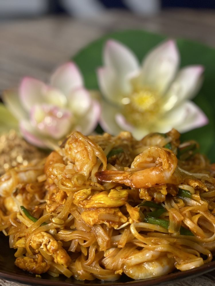 Thai Rice: 7175 N Davis Hwy, Pensacola, FL