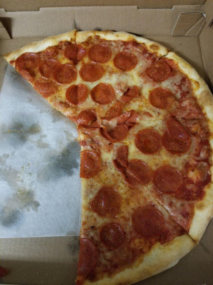 Gigi's Pizza Pasta & Grill: 123 Chestnut St, Coplay, PA