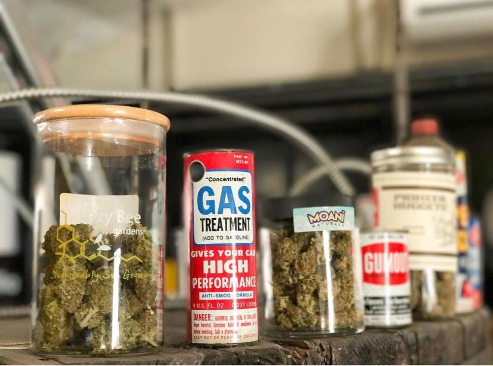 Buds Garage: 3015 Everett Ave, Everett, WA