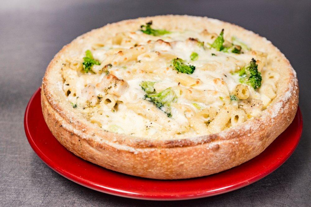 Italia's Pizzeria: 1318 Michigan Ave, Marysville, MI