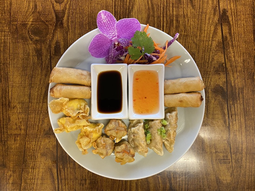 Siam Thai Cuisine: 302B East Main St, Central, SC