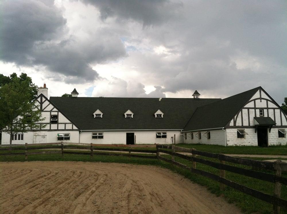 Tyddyn Du Farm: 9811 Leacrest Rd, Cincinnati, OH