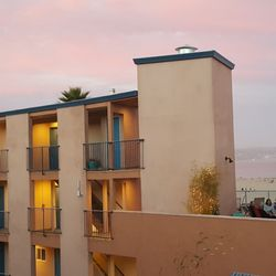 Photo Of Capitola Beach Suites Ca United States Pink Sky And
