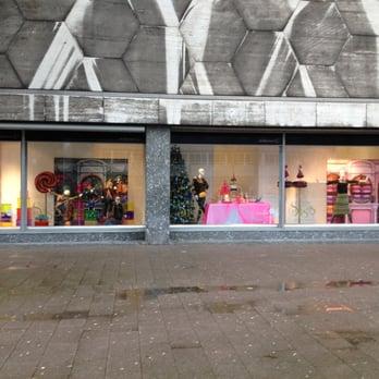 b8e4383cd97 Foto van De Bijenkorf - Rotterdam, Zuid-Holland, Nederland. De kerst etalage