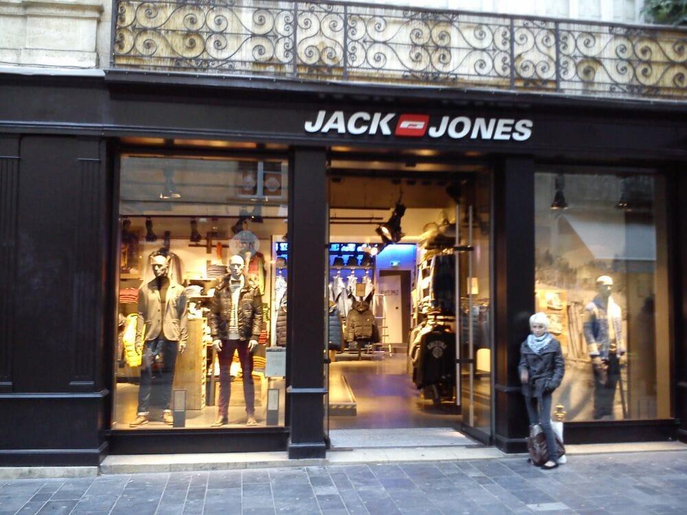 Jack jones grands magasins 136 rue sainte catherine h tel de ville quinconces bordeaux - Magasins rue sainte catherine ...