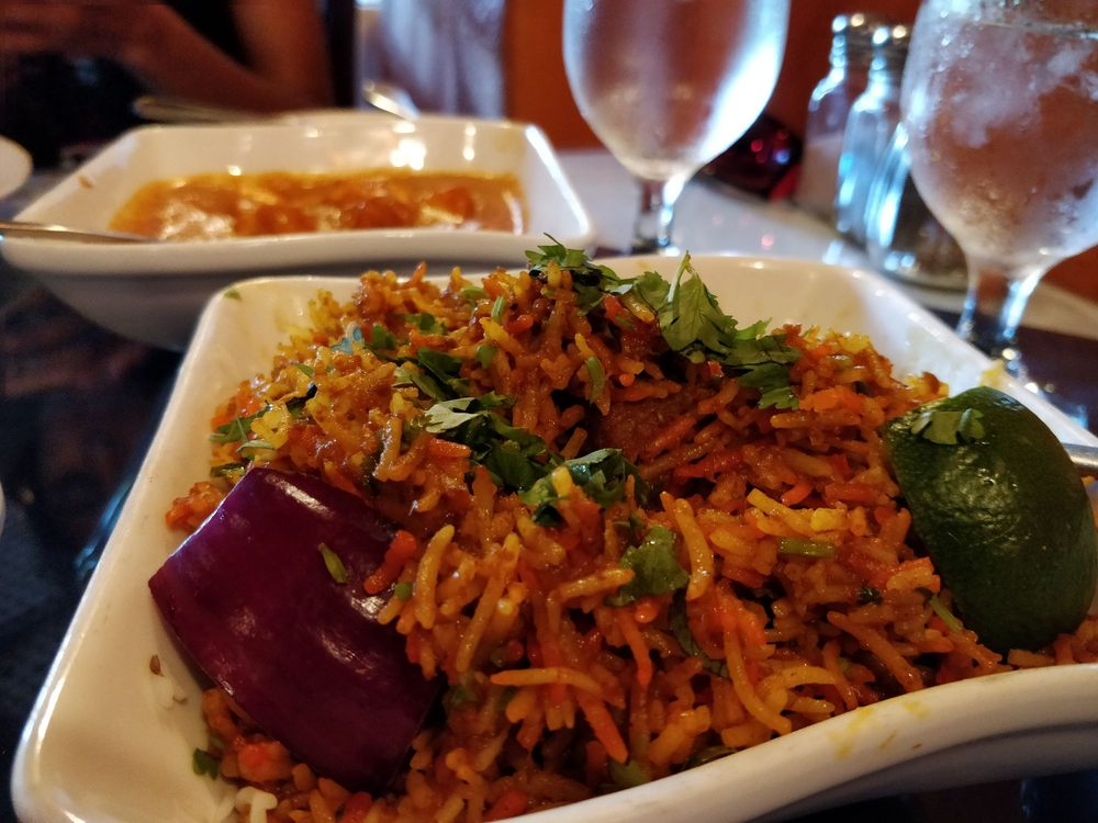 Taj Palace Indian Cuisine: 251 W Lee Hwy, Warrenton, VA