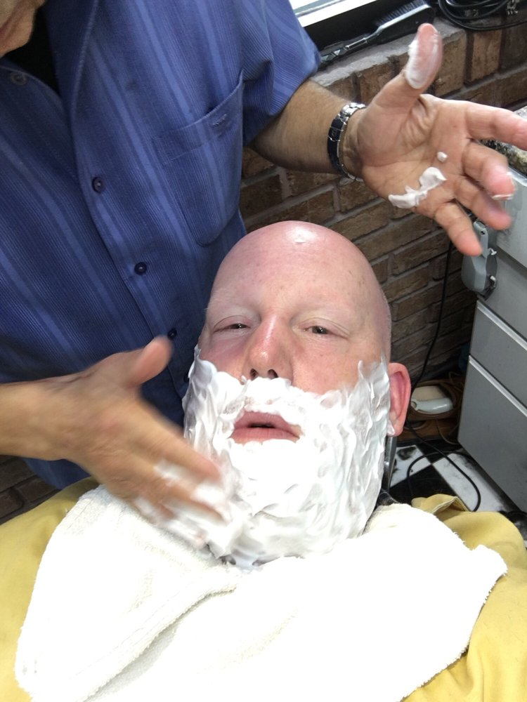 Alfredos Barbershop 27 Reviews Barbers 4 West Chicago Ave