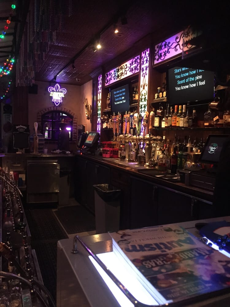 Bourbon Street Bar And Grille Sham Store