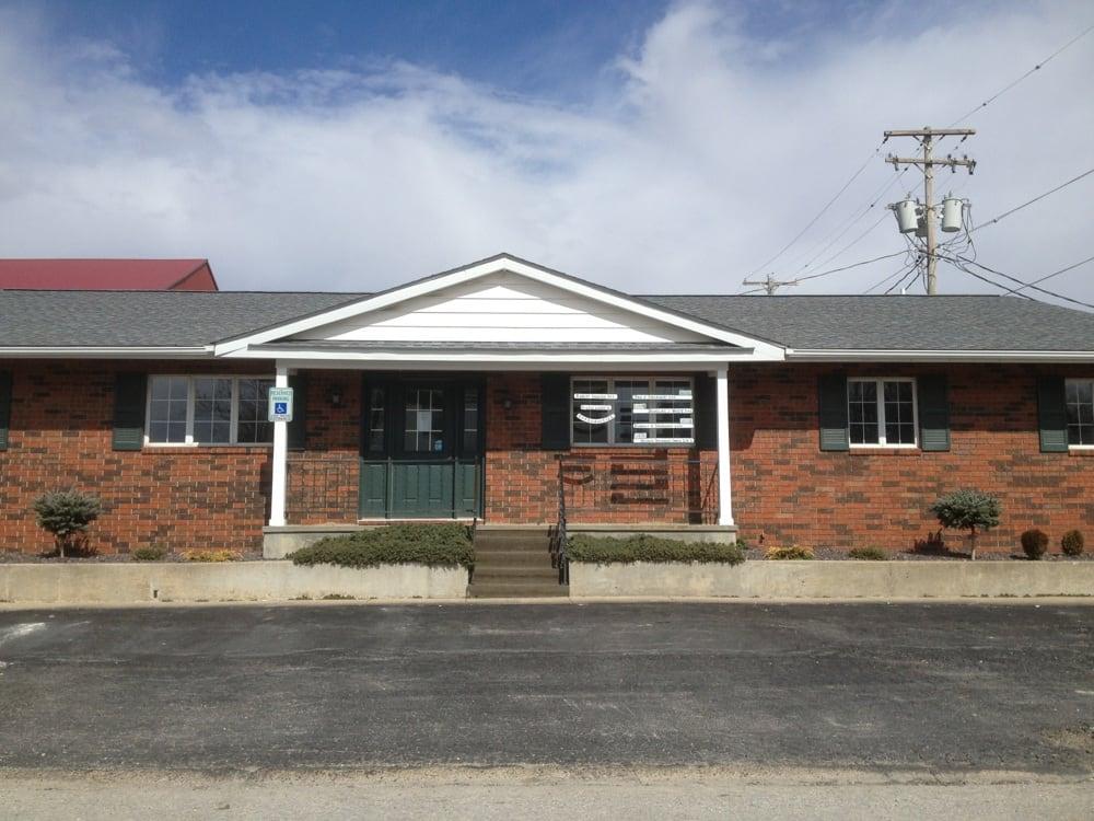 White Douglas J DMD: 110 E Fayette St, Pittsfield, IL
