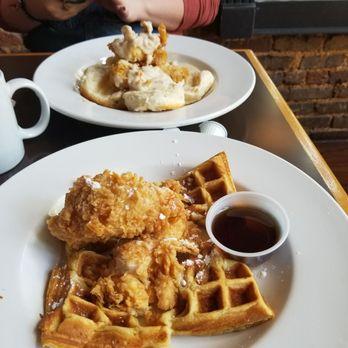 Photo Of The Tin Top Restaurant Oyster Bar Tuscaloosa Al United States