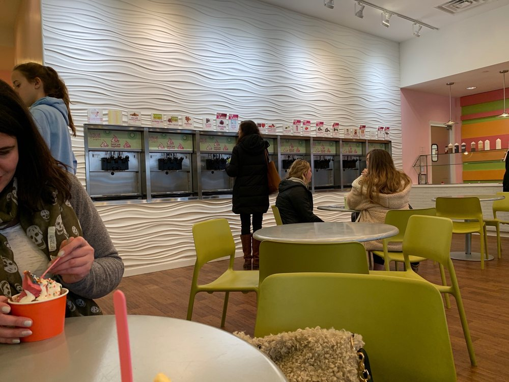 Kiwi Frozen Yogurt: 243 N Pottstown Pike, Exton, PA