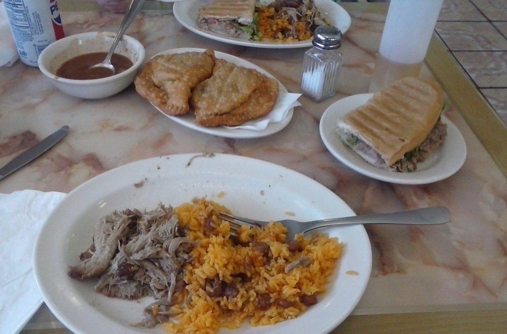 Food from El Barajo Restaurant