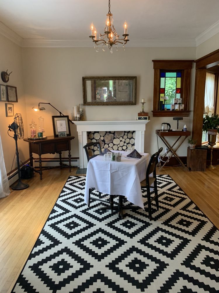 Burdett House Bed & Breakfast: 3789 Main St, Burdett, NY