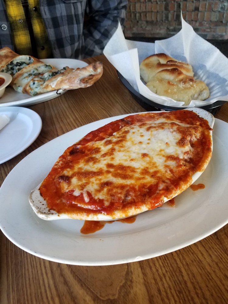 Roma's Italian Bistro: 215 Hwy 2 E, Devils Lake, ND