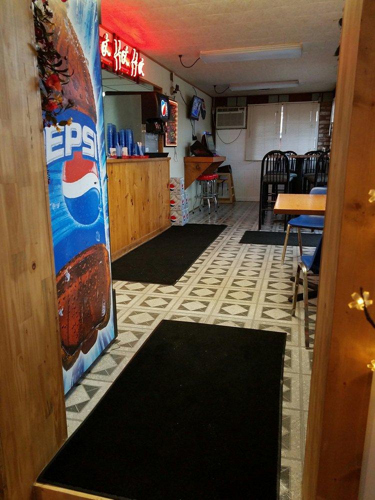 Paint Room Pizzeria & Sandwich Shop: 115 Mill Run Rd, Normalville, PA