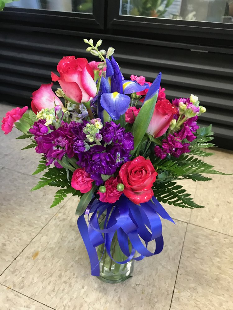 Flowers With Passion: 9015 Church St, Manassas, VA