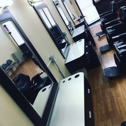 Barber S Cutz Hair Studio Men S Hair Salons N Pulaski Rd