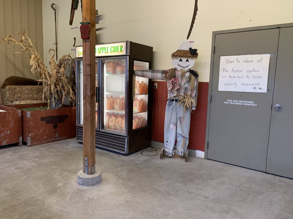 Cedardale Orchards: 18216 Conway Rd, Mount Vernon, WA