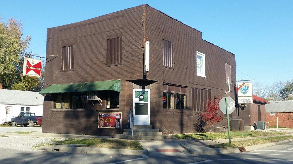 Corner: 838 S 19th St, Mount Vernon, IL
