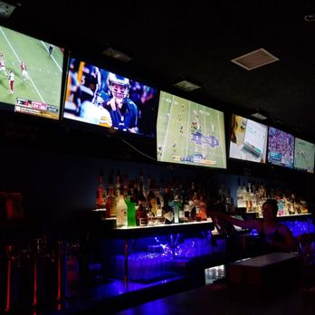 The Cave Sports Bar 96 Photos 136 Reviews Sports Bars 628 W