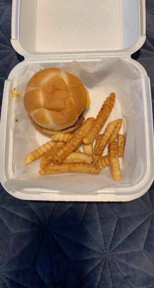 4-Way Grill: 6121 E Antioch Rd, Springville, TN