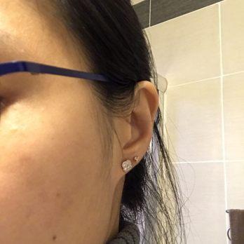 Clinical Ear Piercing 188 Photos 73 Reviews Piercing 596