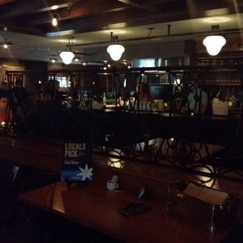 Photo Of Guild Tavern South Burlington Vt United States Cly Dim Lit