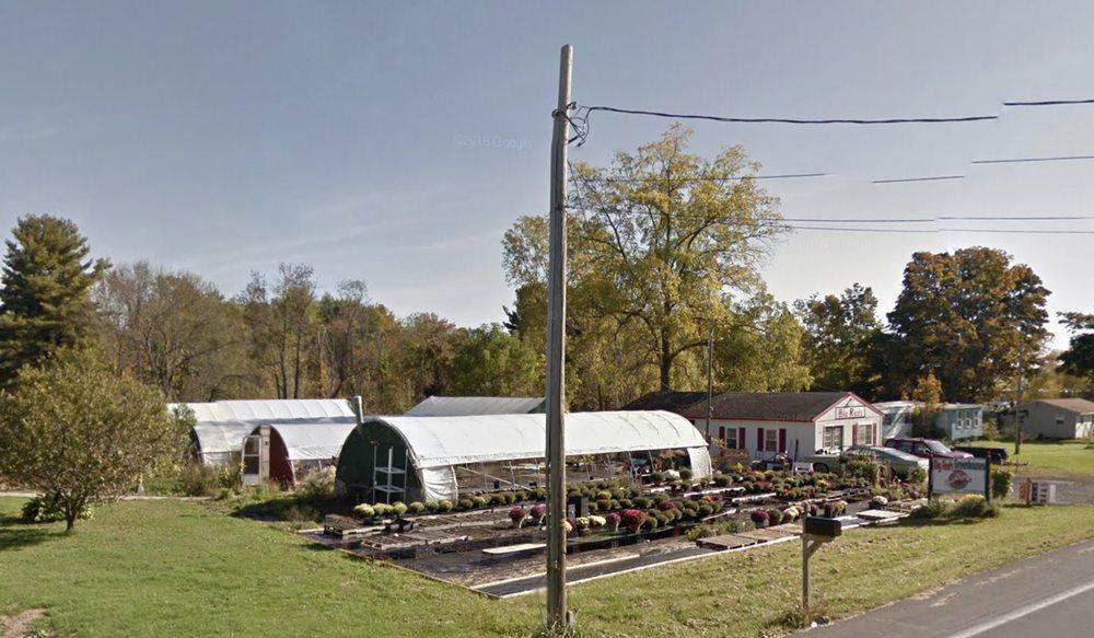 Big Reds Greenhouse: Fulton, NY