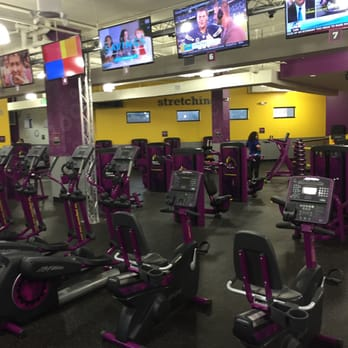 planet fitness alexandria huntington 35 photos 47 reviews trainers 5960 richmond hwy. Black Bedroom Furniture Sets. Home Design Ideas