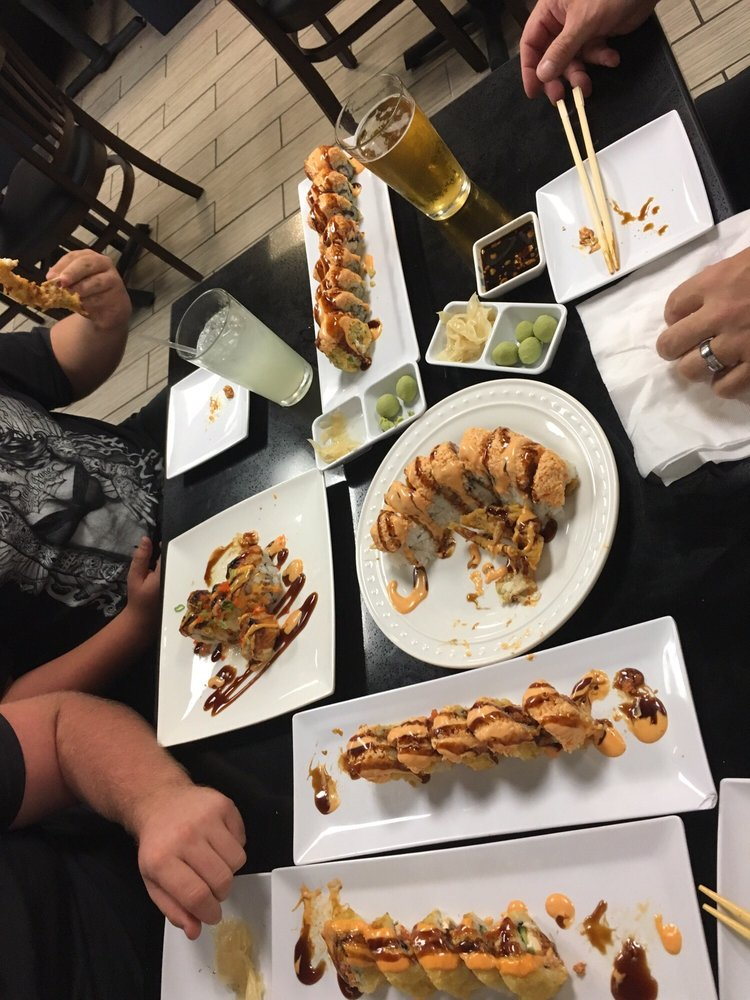 Best Sushi & Grill: 13525 Palm Dr, Desert Hot Springs, CA