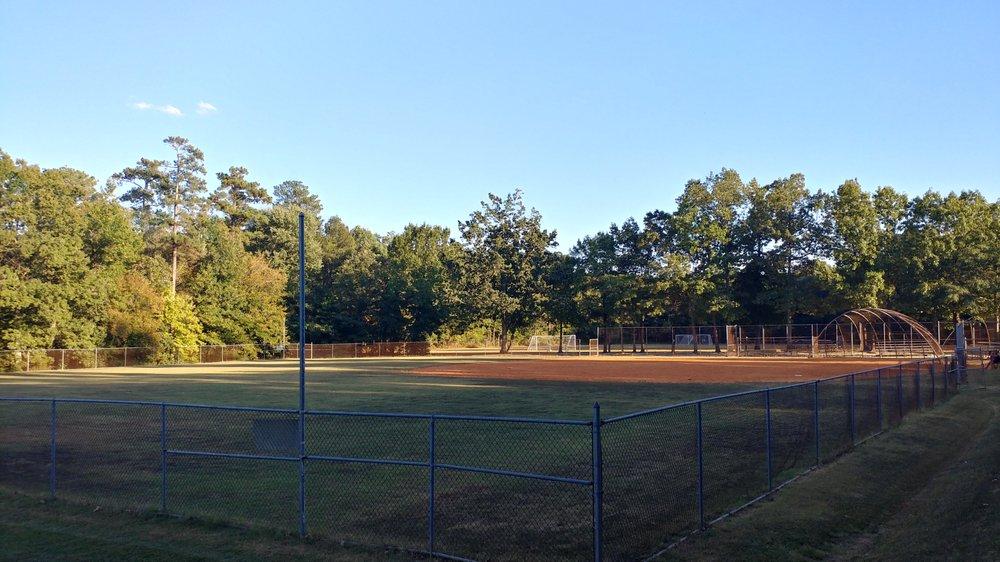 Bensley Park: 2900 Drewry's Bluff Rd, Richmond, VA