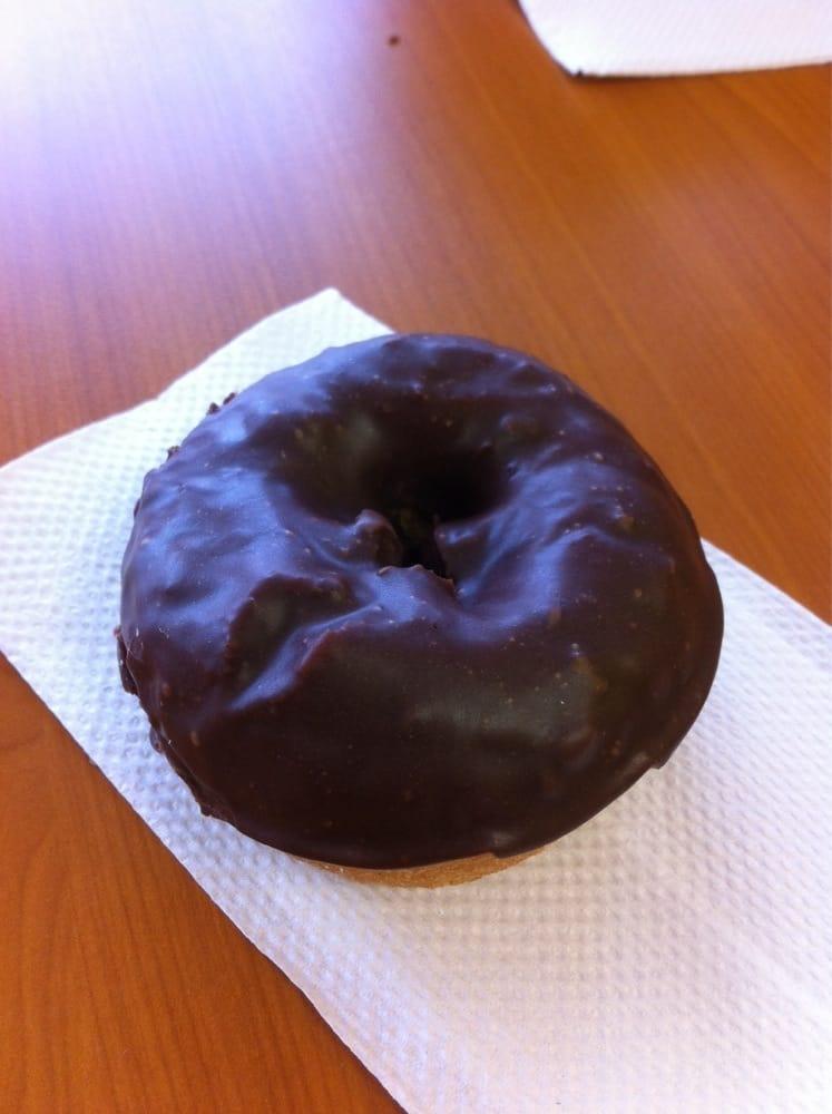 Daylight Donut: 288 Hwy 12 E, Kosciusko, MS