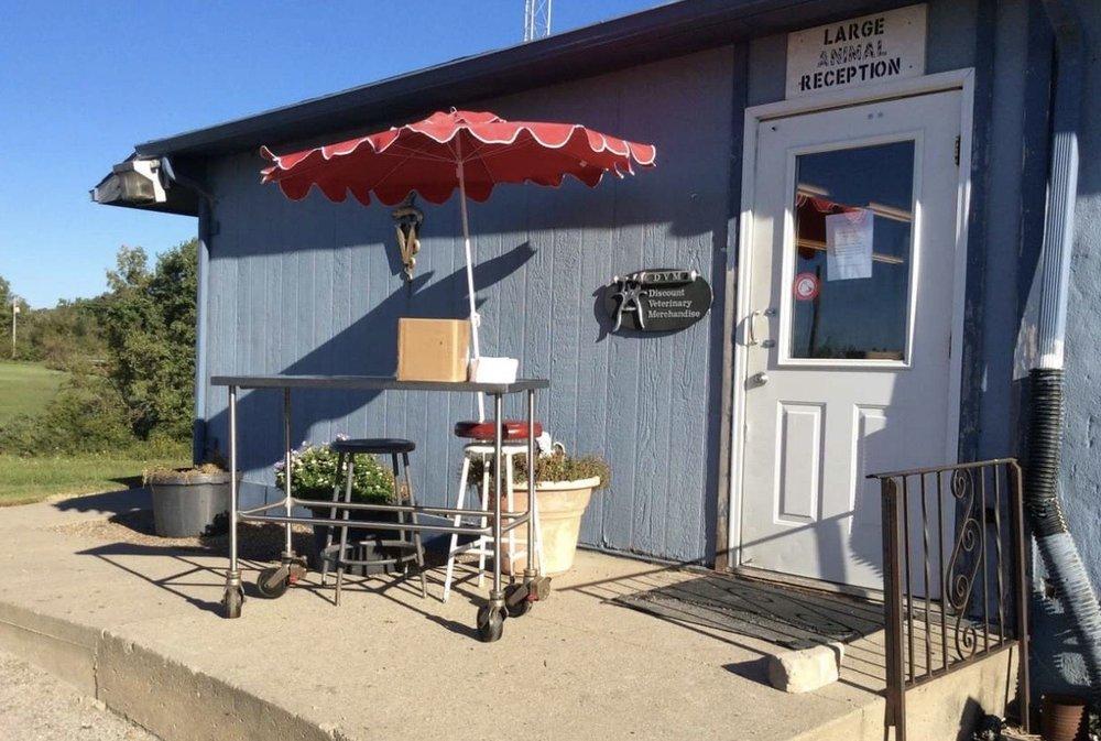 Eastridge Animal Center: 730 S 4th St, Chariton, IA