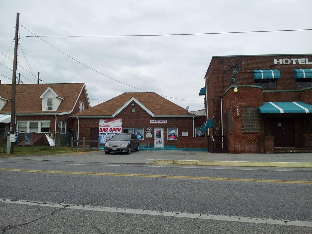 Hotel Charles: 15100 Burnt Store Rd, Hughesville, MD