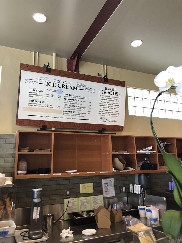 Photo of El Cerrito Natural Grocery Company: El Cerrito, CA