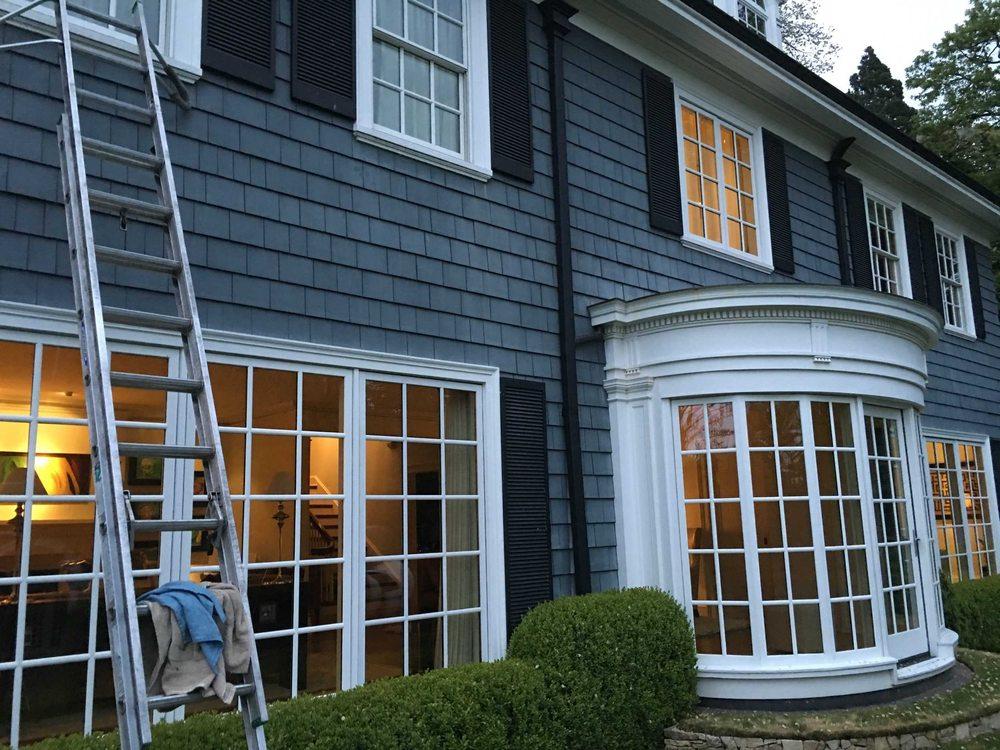 Fine Touch Window Cleaning: Battle Ground, WA
