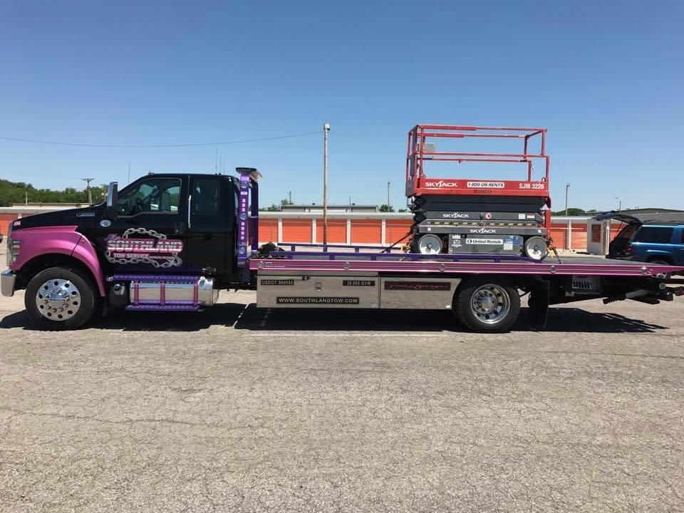 Towing business in Grandview, MO