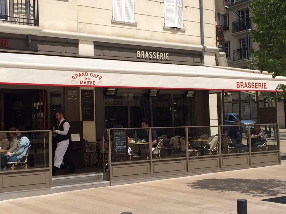 Grand caf de la mairie 16 photos 13 reviews french for Bar belge maison alfort
