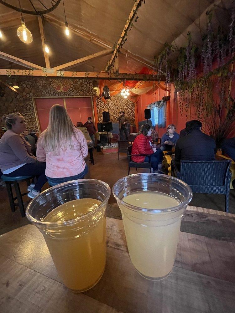 Bushel & Barrel Ciderhouse: 201 NW Beaver Ridge Lane, Poulsbo, WA
