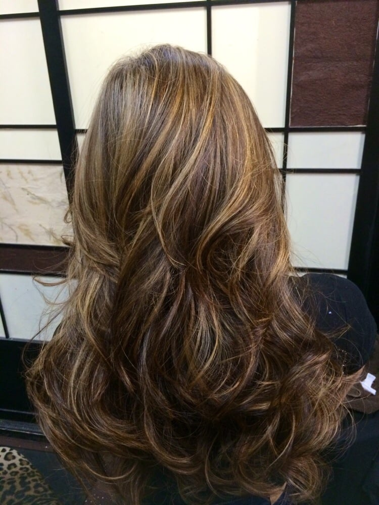 Blonde caramel highlights by krissy yelp for K divine hair salon