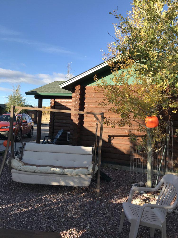 Lure Me Inn: 701 Bauer St, Ennis, MT