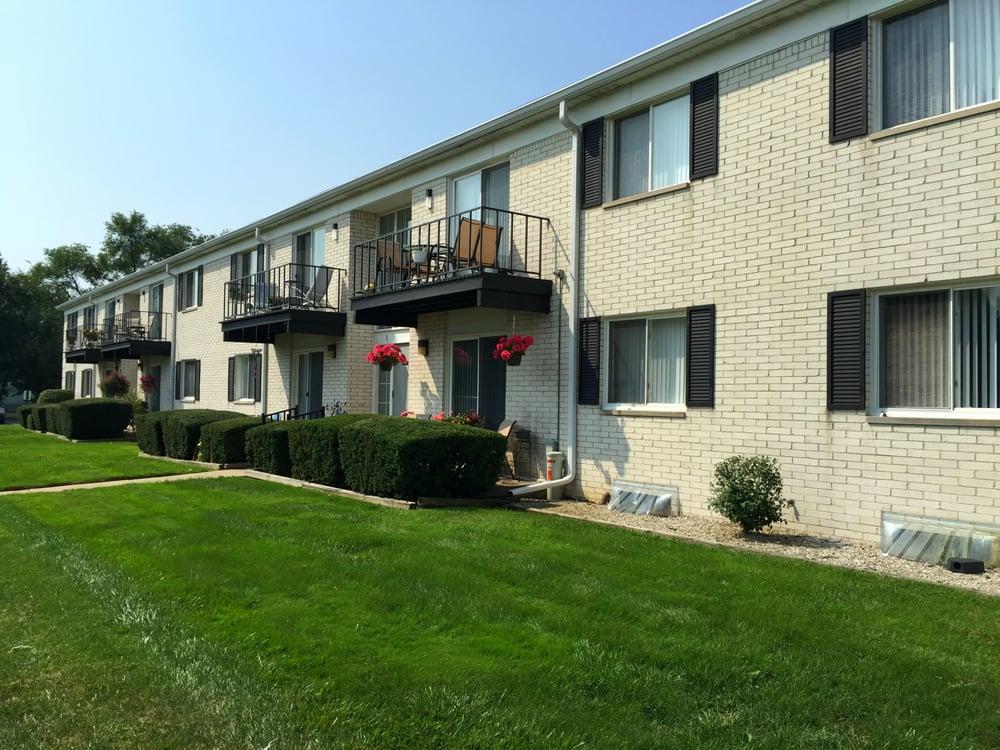 Regents Court Apartments Get Quote Apartments 33105 Warren Rd Westland Mi United States