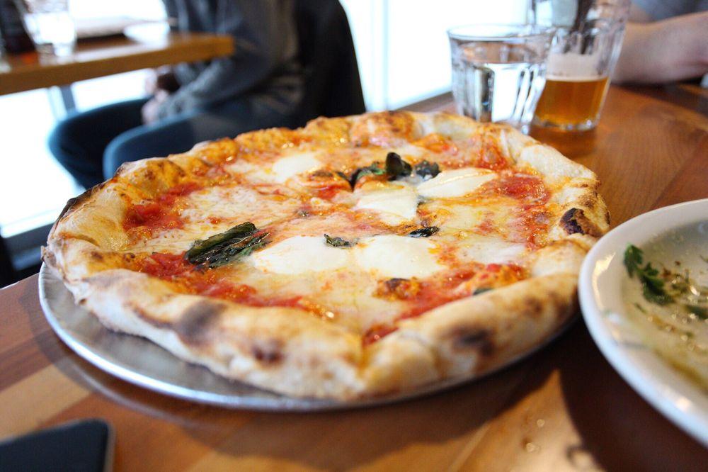 Pizzeria Mercato: 408 W Weaver St, Carrboro, NC