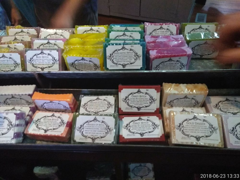 Heartmade Boutique: 1032 Bridge St, Ashtabula, OH