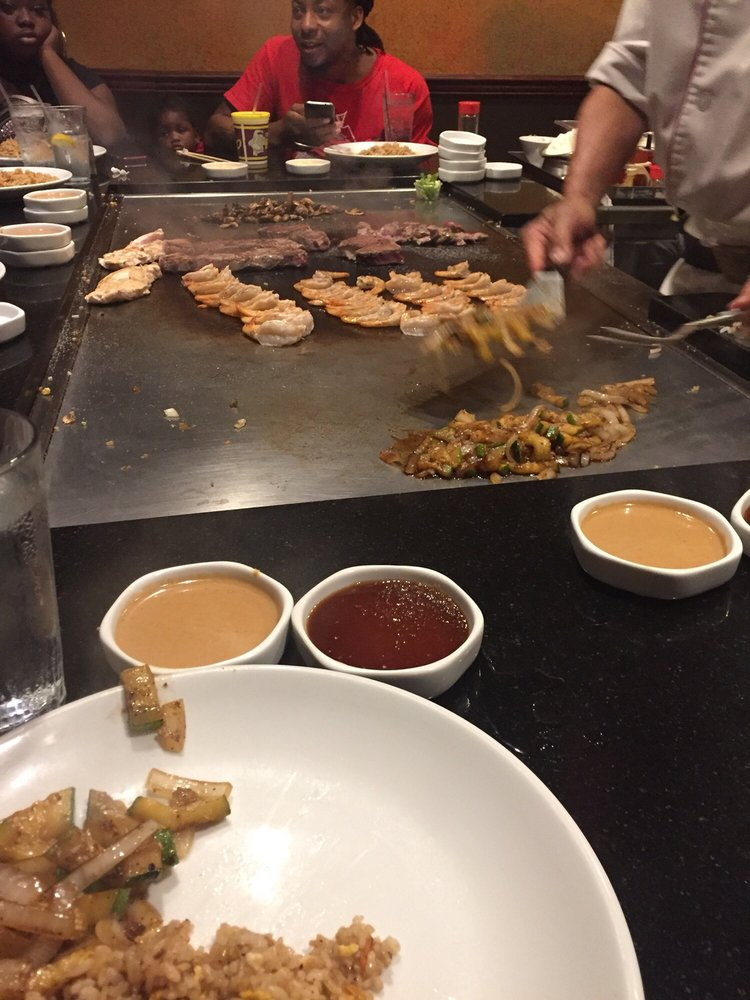 Benihana Steakhouse Restaurant: 2 Riverfront Pl, North Little Rock, AR