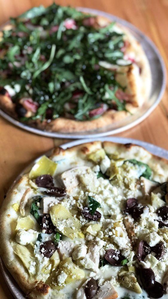 Pizza Carrello: 601 S Douglas Hwy, Gillette, WY