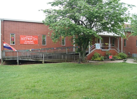 Gibsonville Antiques & Collectibles: 106 E Railroad Ave, Gibsonville, NC